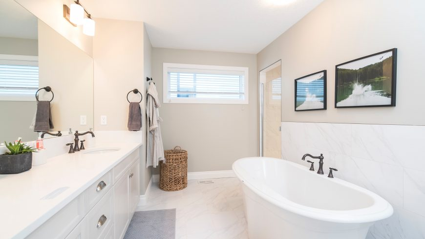5 Bathroom Cleaning Tips to Help Save Time